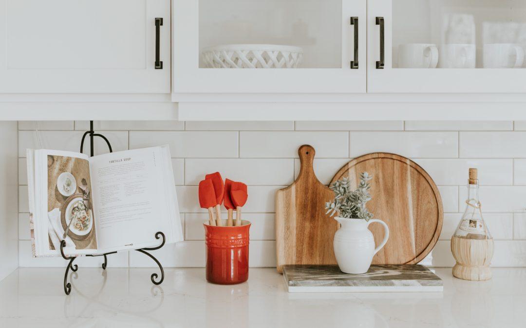 7 Best Cookbooks for Moms